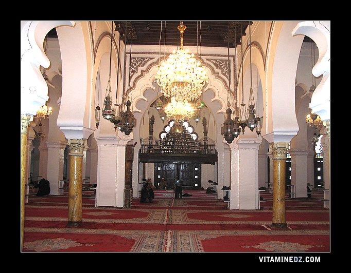 17685 yaghmoracen architecte de la grande mosquee de tlemcen