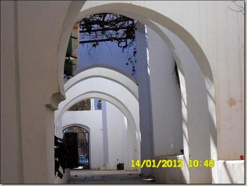 826095 vofnnliaakcsy2ddisbgwstgcqrn3k autour de la la grande mosque h000055 l